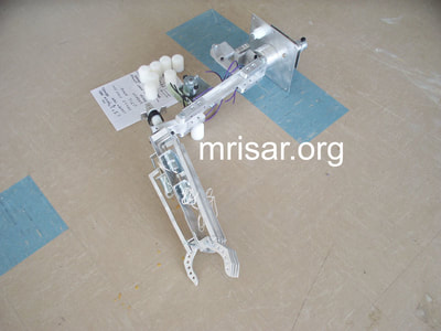 MRISAR's 5 Finger Robotic Arm exhibit kits.